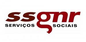 """Logótipo """"ssgnr serviços sociais"""". Elementos textuais a preto e tons de vermelho"""